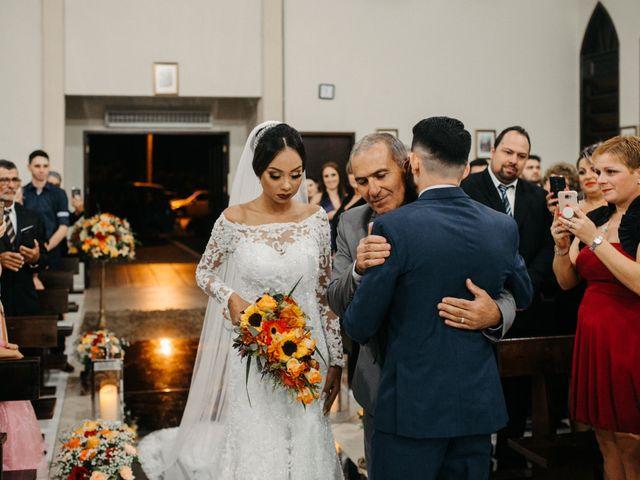 O casamento de Rafael e Paola em Joinville, Santa Catarina 21
