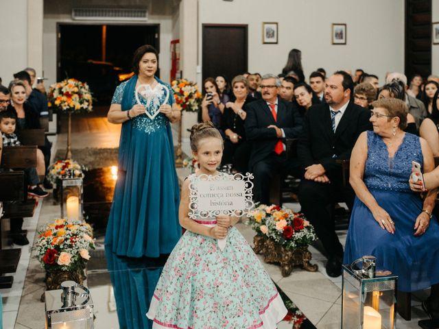 O casamento de Rafael e Paola em Joinville, Santa Catarina 33