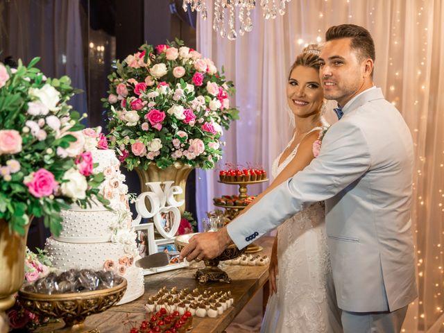O casamento de Rodrigo e Daiane em Itapema, Santa Catarina 2