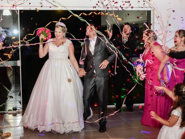 O casamento de Willian e Marjorie em Curitiba, Paraná 15