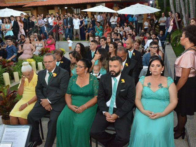 O casamento de Aline e Alexandre em Betim, Minas Gerais 4