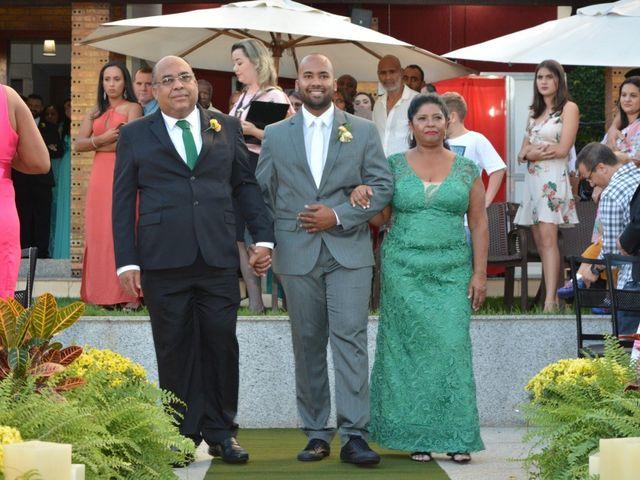 O casamento de Aline e Alexandre em Betim, Minas Gerais 8