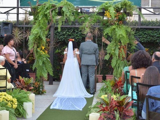 O casamento de Aline e Alexandre em Betim, Minas Gerais 10