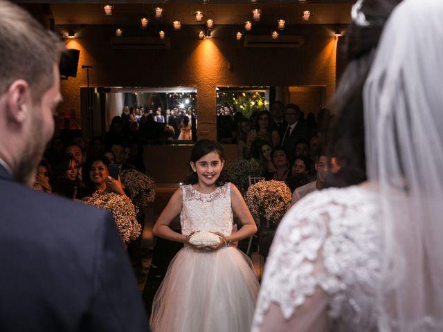 O casamento de Fernando e Daniela em Pompéia, São Paulo 35