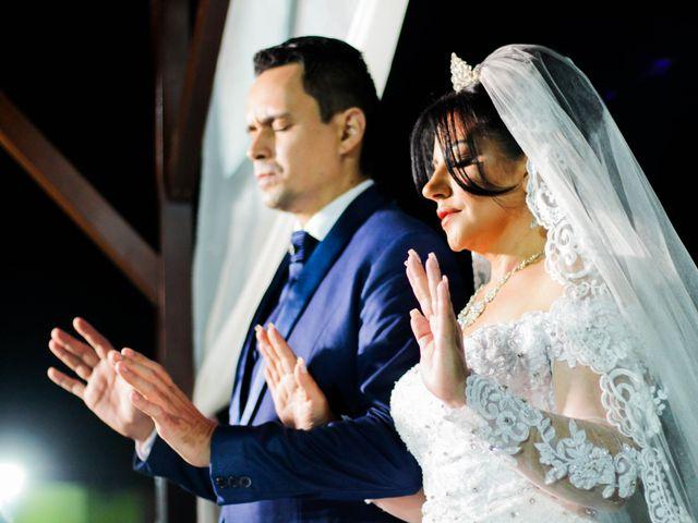 O casamento de Douglas e Nildete em Franco da Rocha, São Paulo 1