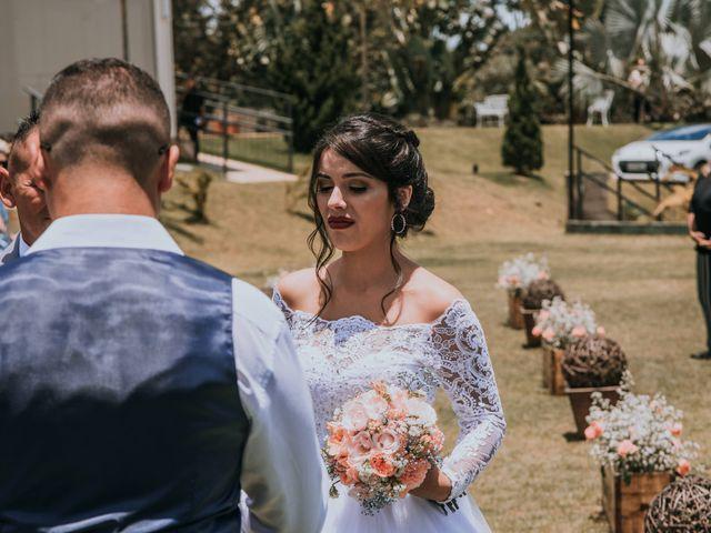 O casamento de Victor e Amanda em Mairinque, São Paulo 54