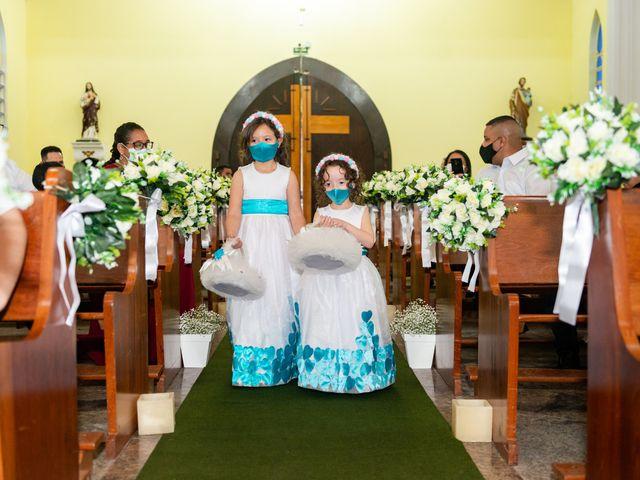 O casamento de Damião e Halayne em Diadema, São Paulo 32