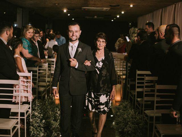O casamento de Jailton e Renata em Itapema, Santa Catarina 71