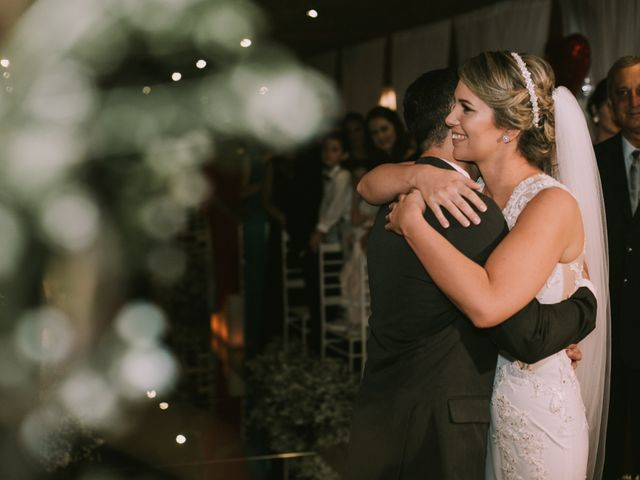 O casamento de Jailton e Renata em Itapema, Santa Catarina 87