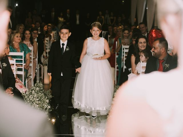 O casamento de Jailton e Renata em Itapema, Santa Catarina 99