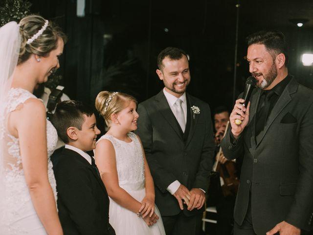 O casamento de Jailton e Renata em Itapema, Santa Catarina 101