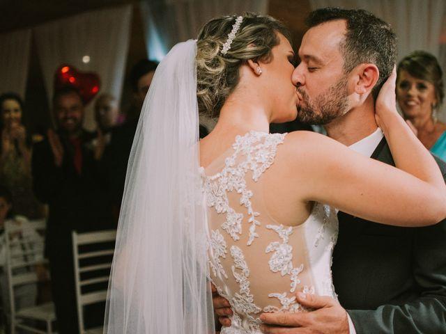 O casamento de Jailton e Renata em Itapema, Santa Catarina 106