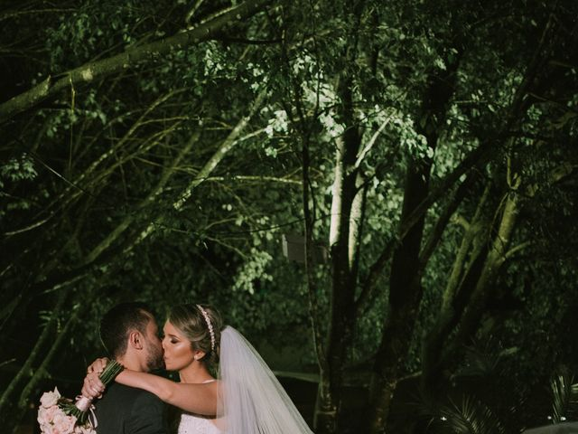 O casamento de Jailton e Renata em Itapema, Santa Catarina 111