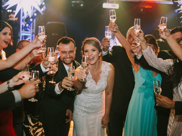O casamento de Jailton e Renata em Itapema, Santa Catarina 115