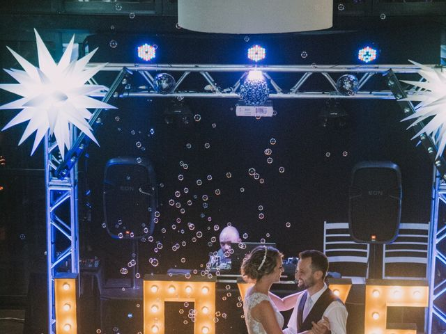 O casamento de Jailton e Renata em Itapema, Santa Catarina 120