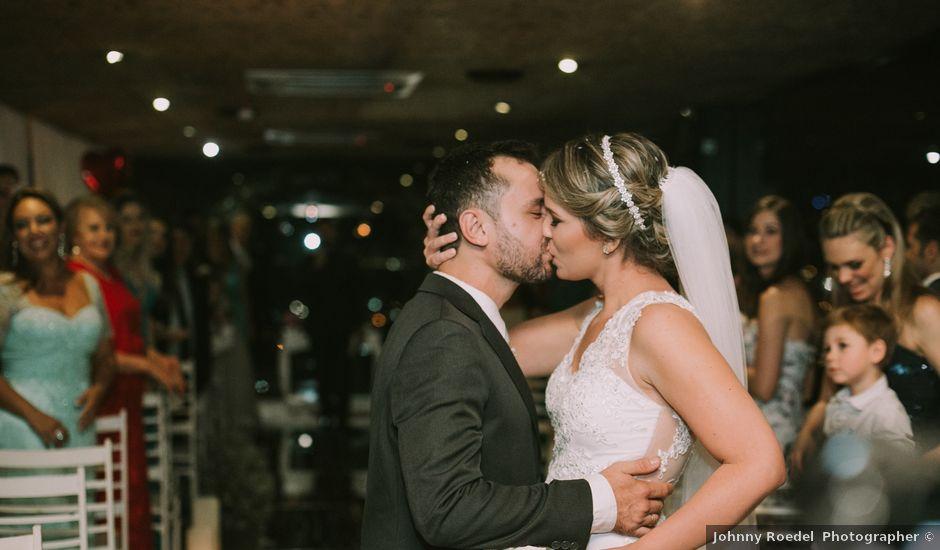 O casamento de Jailton e Renata em Itapema, Santa Catarina
