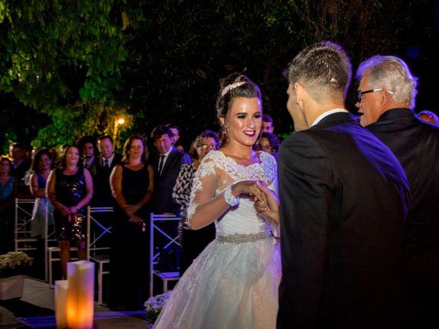 O casamento de Diego e Estela em Belo Horizonte, Minas Gerais 4