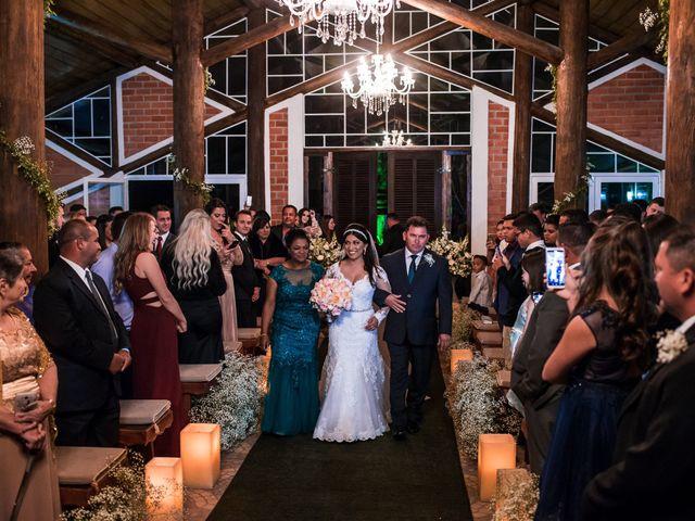 O casamento de Gabriel e Thais em Curitiba, Paraná 33