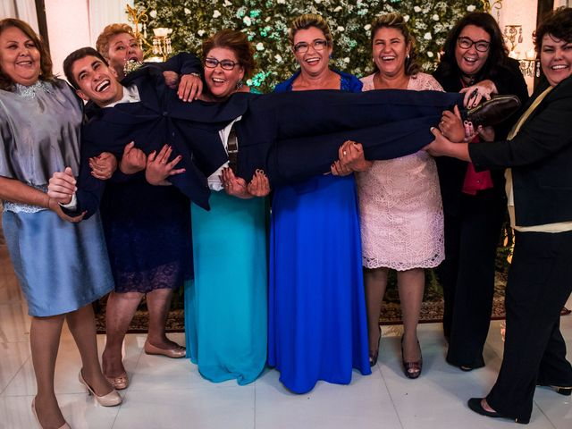 O casamento de Gabriel e Thais em Curitiba, Paraná 74