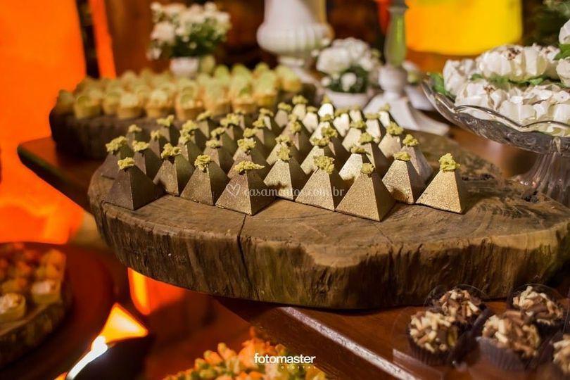 Detalhe Pirâmide Belga