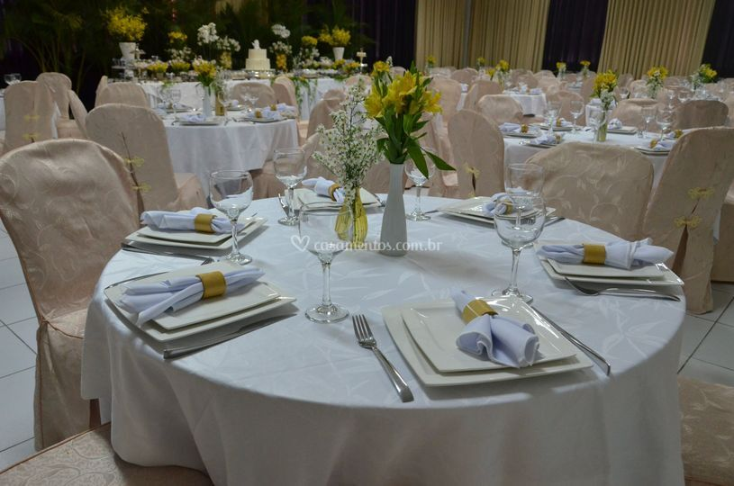 Sala Pitangui em banquete