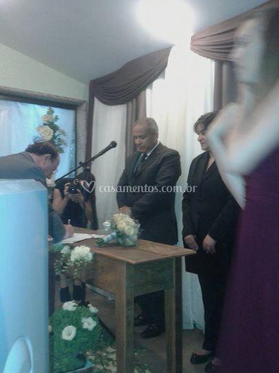 Seriedade perante os noivos