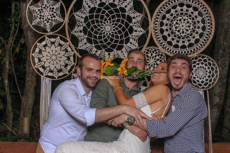 Os noivos e os amigos