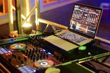 Mesa DJ DDJ-sx 1
