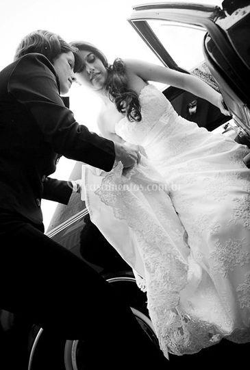 Ajudando a noiva
