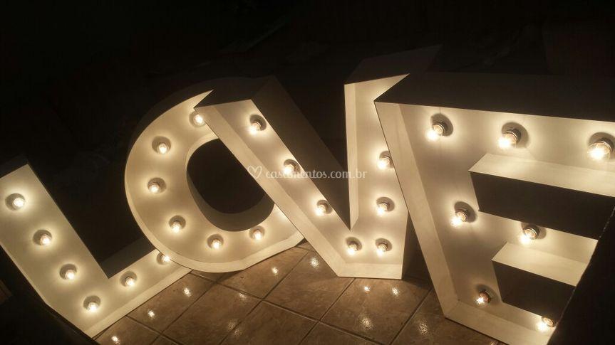 Luminoso Love letra caixa