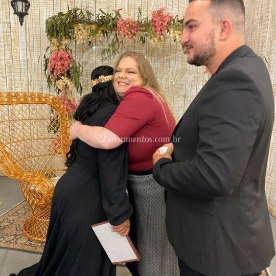 O abraço pós cerimônia