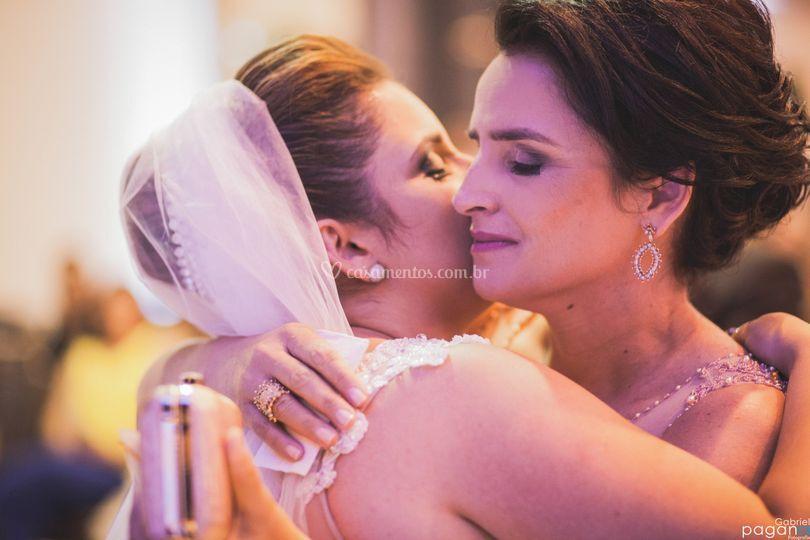 Um abraço de mãe