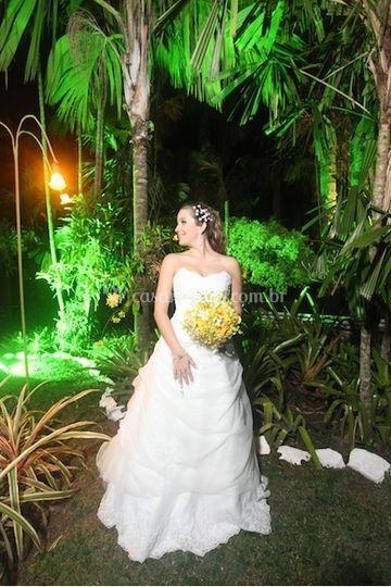 Noiva no jardim