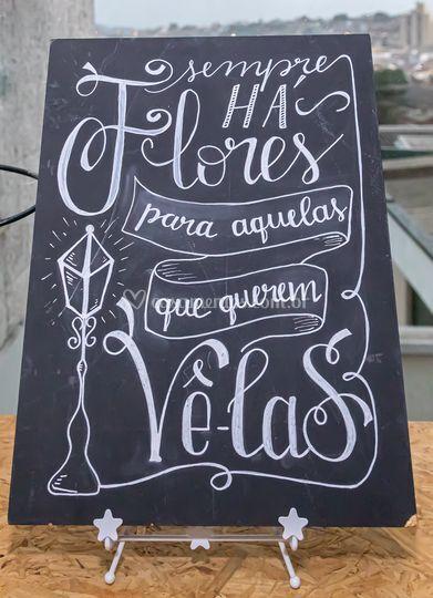 Placa com lettering