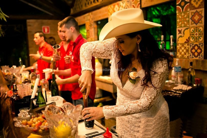 Noiva In Bar