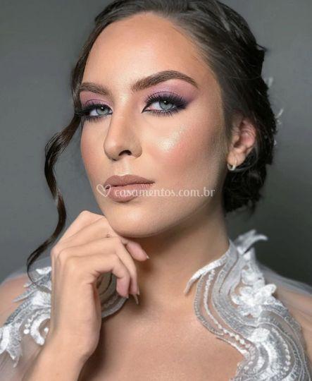 Maquiagem lilás elegante