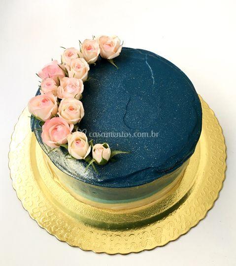 Blue cake com flores