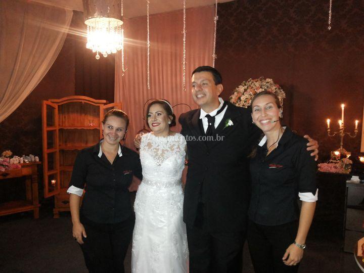 Auxiliando os noivos