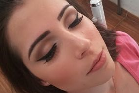 Aline Makeup