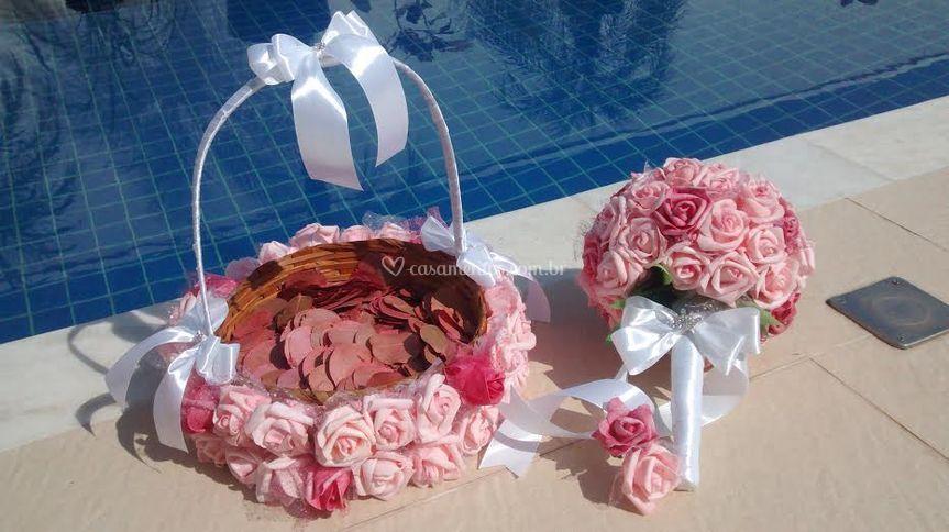 Cesta pétalas& Bouquet