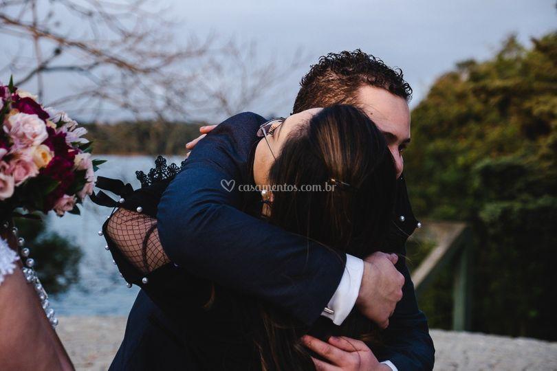 Abraço do noivo