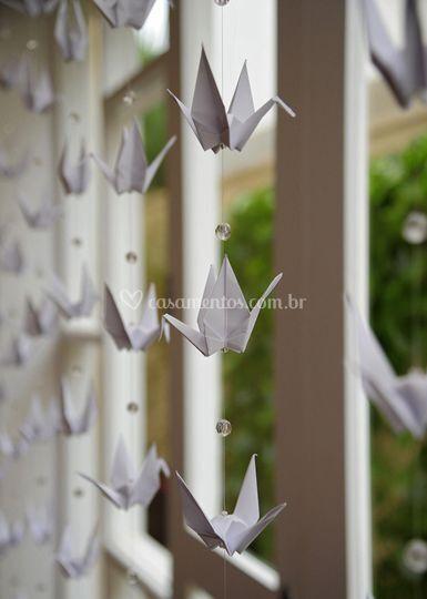 Cortina de tsurus de origami