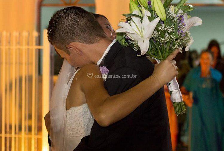 O abraço dos noivinhos