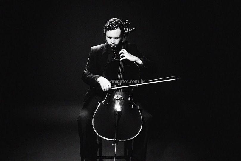 Vinícius Souza - Cello