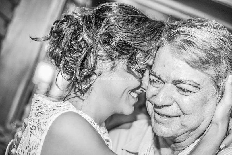 Emoção da noiva com seu pai