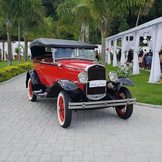 Ford 1929 conversivel vermelho