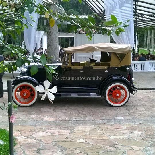 Ford 1929 conversivel preto