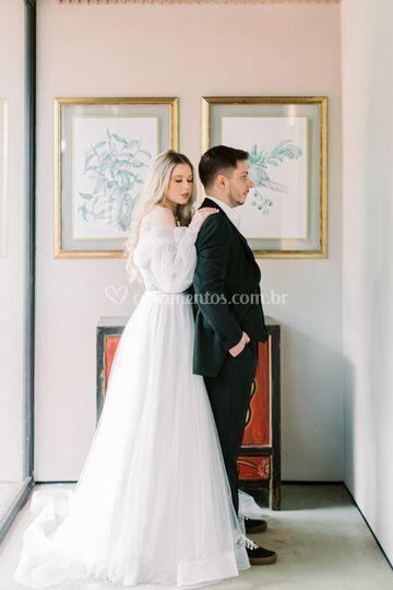 Vestido de noiva e terno noivo