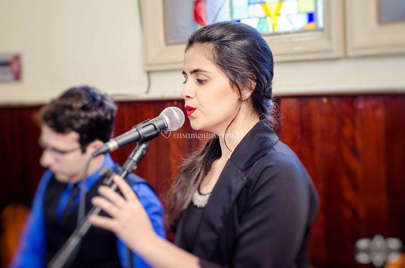 Natália Lopes- cantora