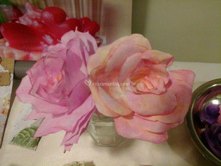 Rosas de papel perfumáveis